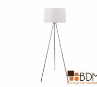 lámpara blanca de tripié