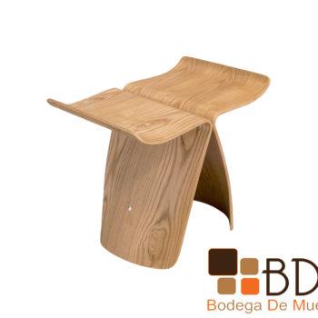 Banco minimalista de madera color natural