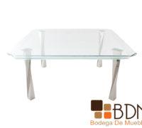 Mesa con cubierta de cristal y base cromada para comedor